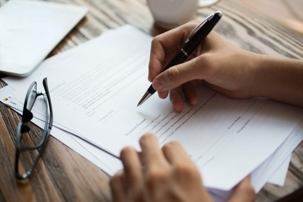 underskrevet ansætteleskontrakt