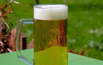 Et stort glas øl