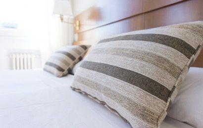 puder på seng